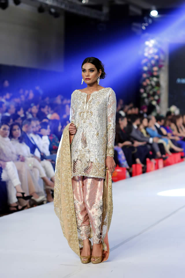 Ammara Khan At PFDC Loreal Paris Bridal Week 2015 (10)