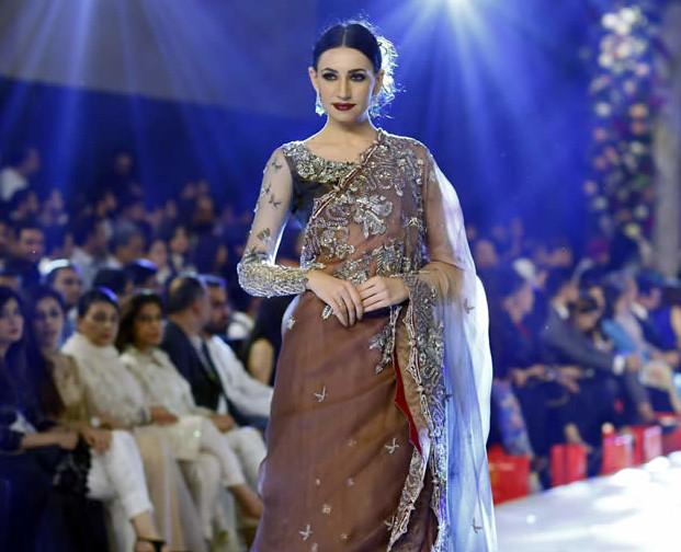 Ammara Khan At PFDC Loreal Paris Bridal Week 2015 (3)