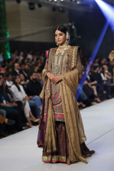 Fahad Hussayn Collection at PFDC Loreal Paris Bridal Week 2015 (6)