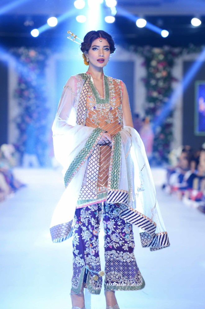 Karma Red at PFDC Loreal Paris Bridal Week 2015 (19)