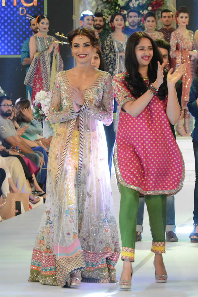 Karma Red at PFDC Loreal Paris Bridal Week 2015 (9)