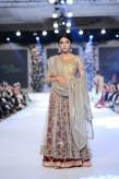 Misha Lakhani Bridal Collection at PFDC Loreal Paris Bridal Week 2015 (12)