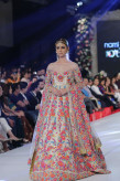 Nomi Ansari Collection at PFDC Loreal Paris Bridal Week 2015 (11)