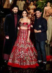 Indian Couture Week Deepika Padukone