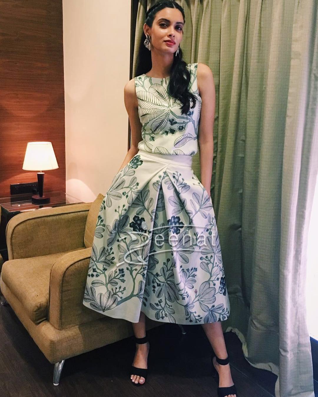 Here she wins the fashion game in Ankur Modi & Priyanka Modi skirt.