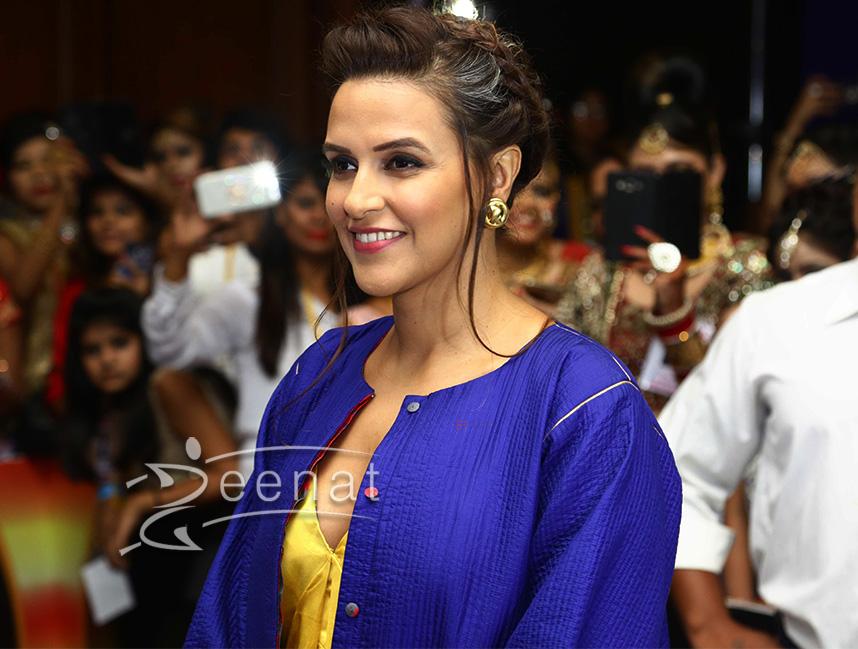 Neha Dhupia in Raw Mango and Sanjay Garg at Salon Awards 2016