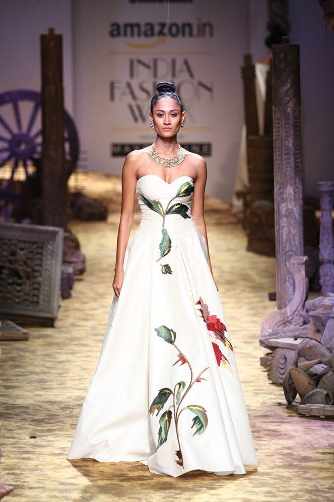 Samant Chauhan's Rajputana at Amazon India Fashion Week 2017 – AIFWSS17