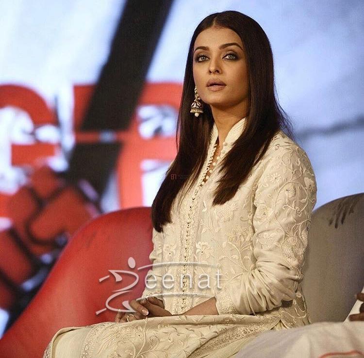Aishwarya Rai In Rohit Bal Dress
