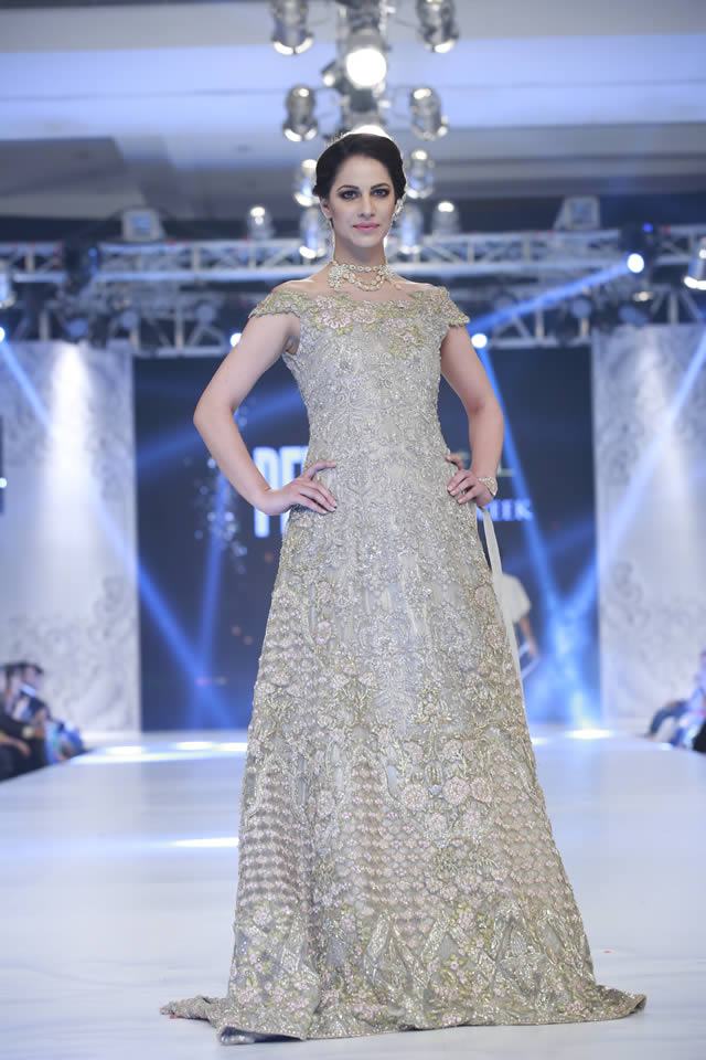 Saira Rizwan's Mademoiselle Collection at PLBW16