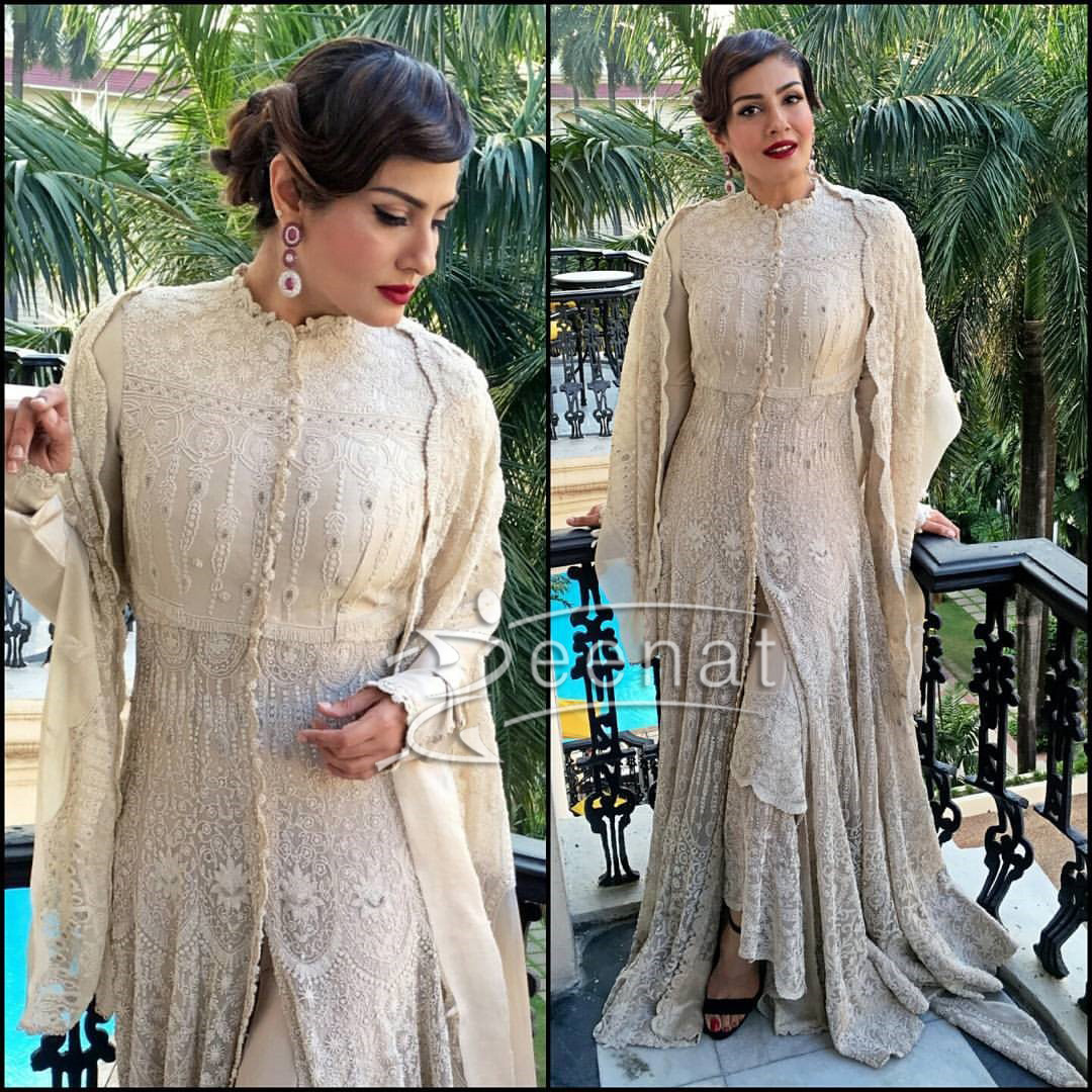 Raveena Tandon in Anamika Khanna Dress