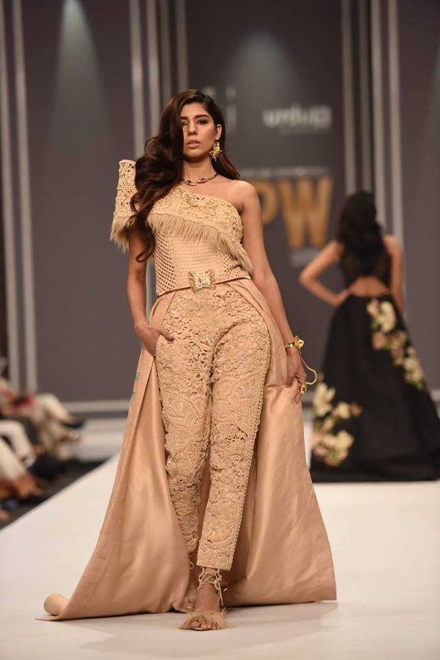 Shehla Chatoor Tresor Bridal Collection at FPW2016 Day 2
