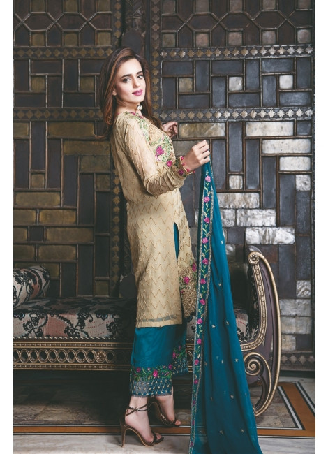 Iznik Luxury Chinon Collection 2017 – Vol 2 featuring Sumbul Iqbal Khan
