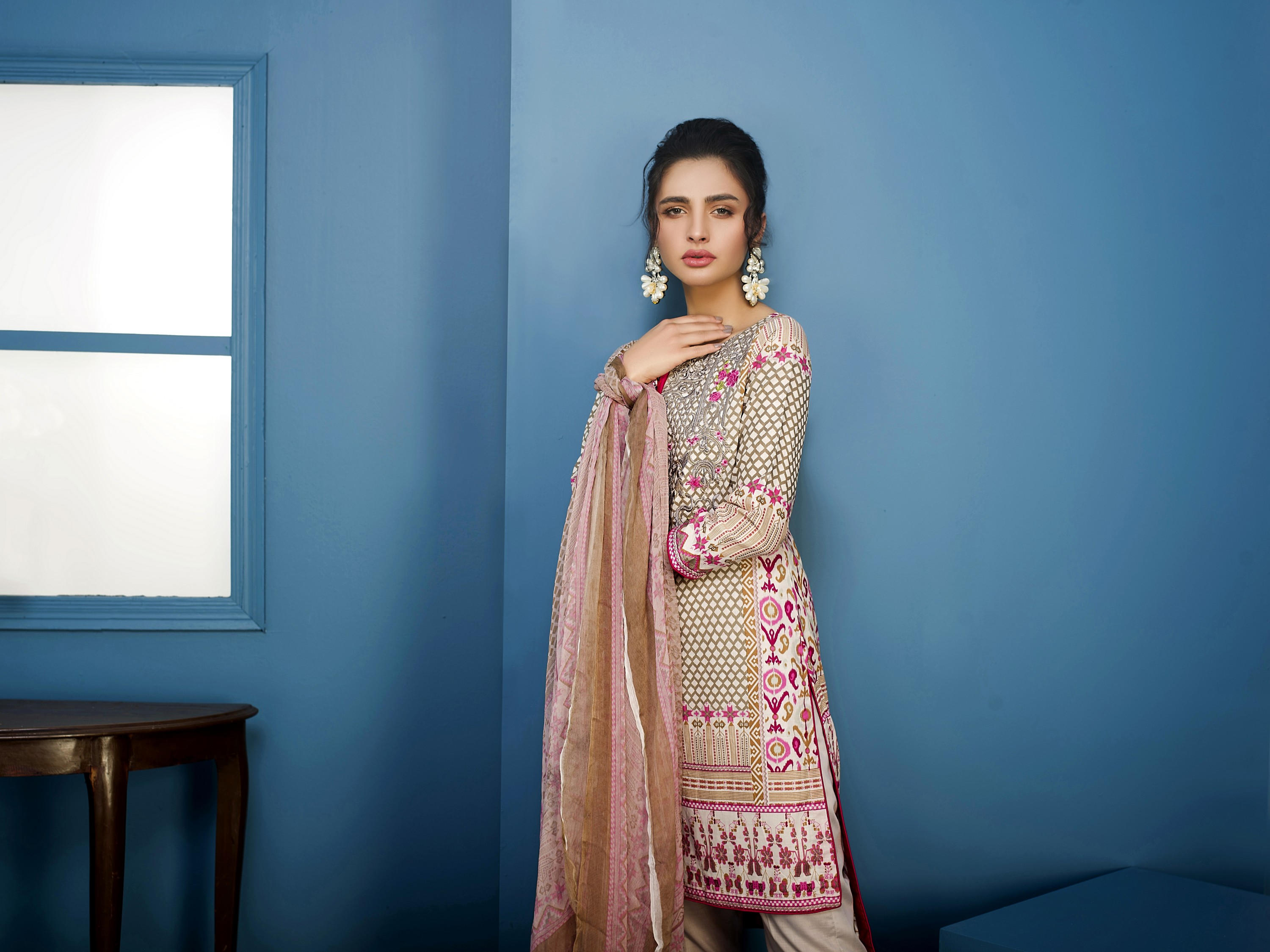 Arisha Chowdary Summer Lawn Collection 2018