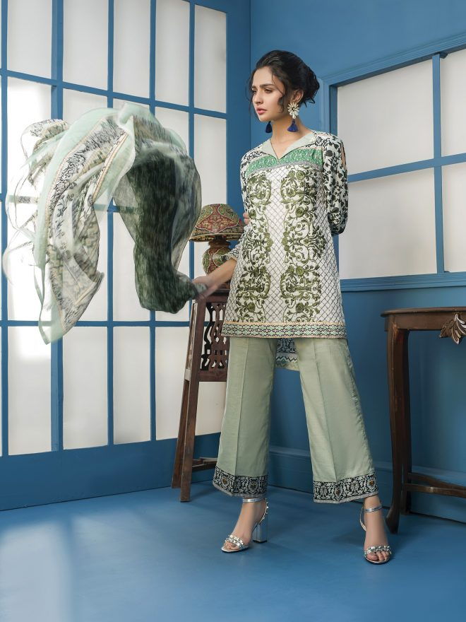 Arisha Chowdary Summer Lawn Collection 2018 (24)