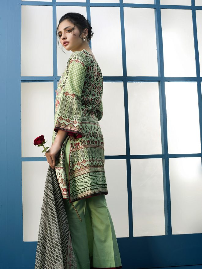 Arisha Chowdary Summer Lawn Collection 2018 (3)