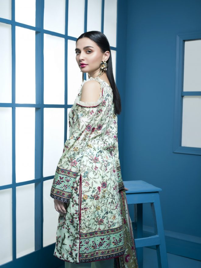 Arisha Chowdary Summer Lawn Collection 2018 (56)