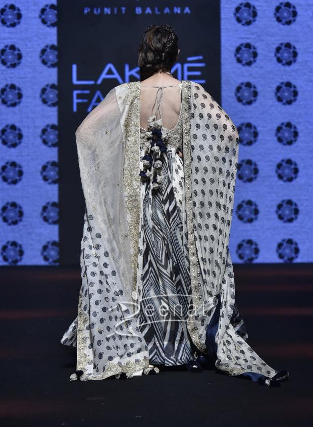 Karisma Kapoor for Punit Balana at Lakme Fashion Week Summer/Resort 2019