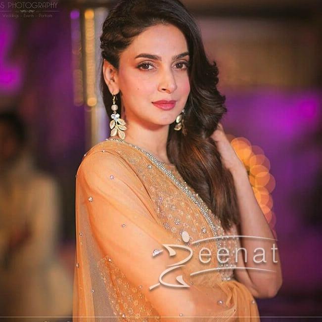 Saba Qamar in All Gold dress by Faraz Mannan